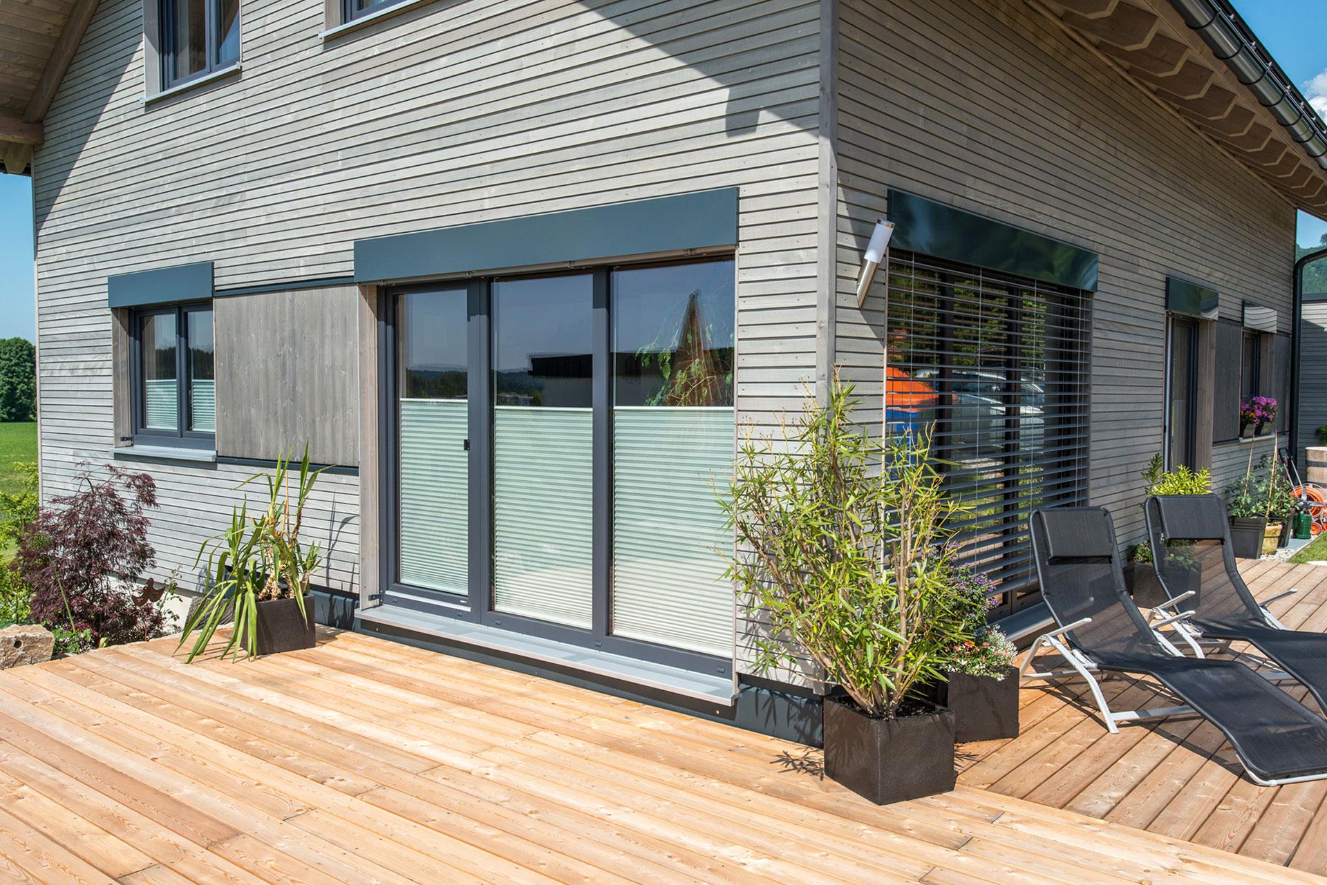 holzfenster neu abdichten holzfenster neu streichen diy anleitung fenster kitten anleitung in. Black Bedroom Furniture Sets. Home Design Ideas